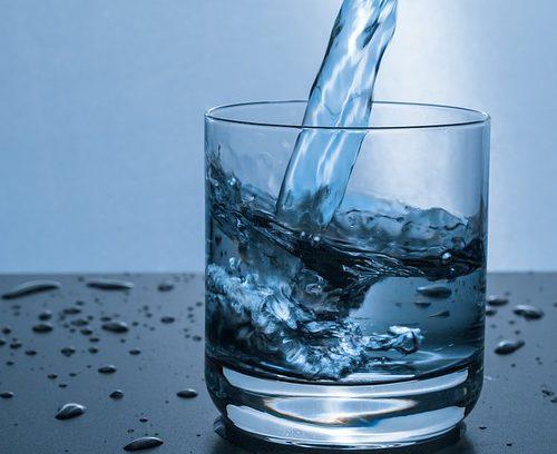 Limpia y desintoxica tu cuerpo con agua